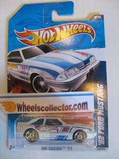 92 FORD MUSTANG White * 2011 Hot Wheels * New P Case
