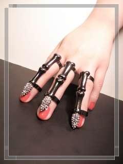 Hand Finger Bones Ring Gothic Punk Skull Delfina Delettrez Gaga
