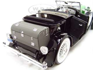 scale diecast 1934 Duesenberg Model J Black/Green by Signature Models