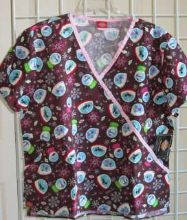 NEW DICKIES SNOW GLOBE SCRUB TOP MOCK WRAP BROWN PINK TRIM SNOW MAN