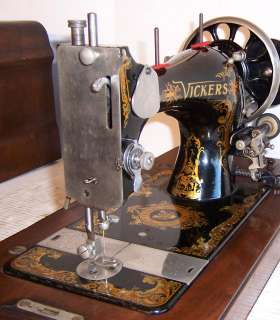 early 1900s Vickers Antique Hand Crank Sewing Machine Modele de Luxe