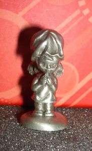 HALLMARK LITTLE GALLERY 1975 ANGEL Pewter figurine