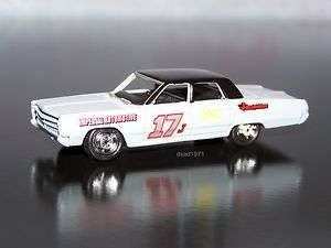 1967 PLYMOUTH FURY DEMOLITION DERBY CAR MINT 1/64