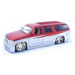 2002 GMC Denali 118 Scale Die Cast Vehicle   Two Tone Red/Silver
