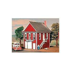 Model Builders N Scale Hillview Volunteer Fire Company Kit Toys