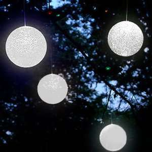 Hanging Solar Powered LED Snowballs   Set of 4 Patio