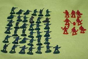PLASTIC ARMY MEN SOLDIERS TOY SOLDIERS TOY PLASTIC 2 MEN 37 GREEN 8